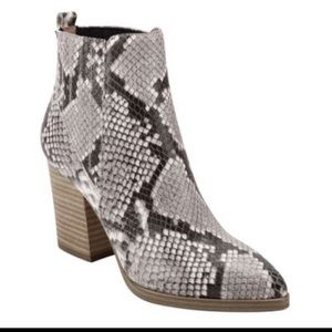 NWT Marc Fisher Alva leather snake print boot